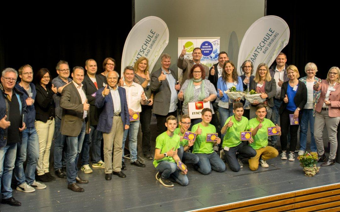 """Wieder einmal ein voller Erfolg –Der Aktionstag """"Digital und Analog – Mit Sicherheit ins Netz"""" an der Gesamtschule Bad Driburg"""