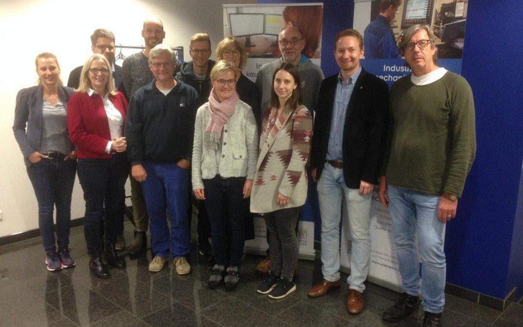 Interessant, spannend, unterhaltsam: Lehrerkollegium der Gesamtschule Bad Driburg besichtigt das Unternehmen Wieneke