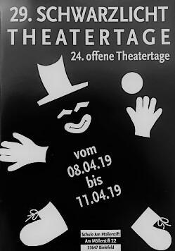 Traditioneller Besuch der Schwarzlichttheatertage