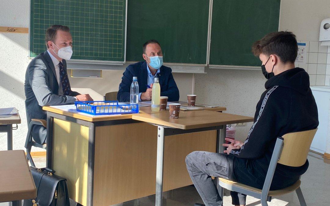 Industrie trifft Schule: Firma Wieneke trainiert mit unseren Schülern: Wie bewerbe ich mich richtig?